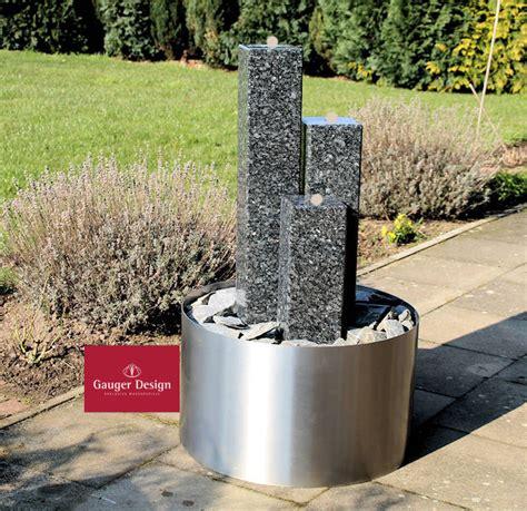 Terrassenbrunnen Edelstahlgranit Balbina003445