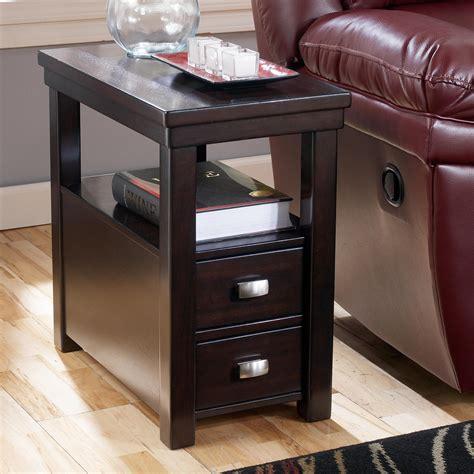 signature design  ashley hatsuko chairside  table