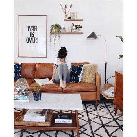 canapé style togo 17 melhores ideias sobre sofás de couro caramelo no