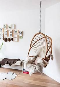 Fauteuil Suspendu Plafond : inspiration une balancelle dans ton salon les confettis ~ Teatrodelosmanantiales.com Idées de Décoration