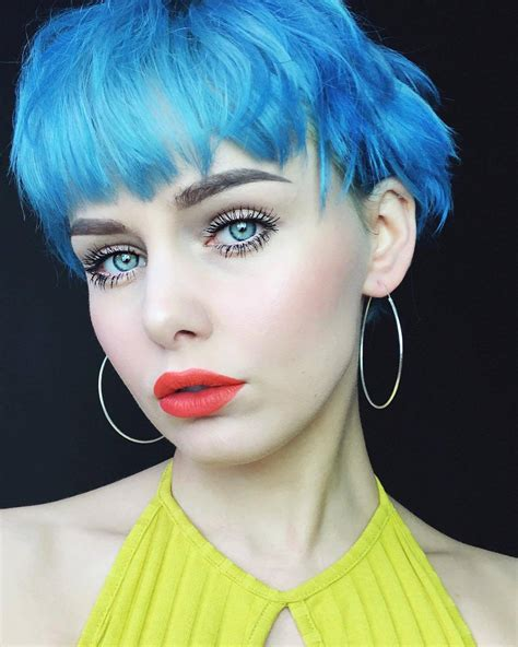 21 Blue Hair Ideas That Youll Love Page 18 Of 21