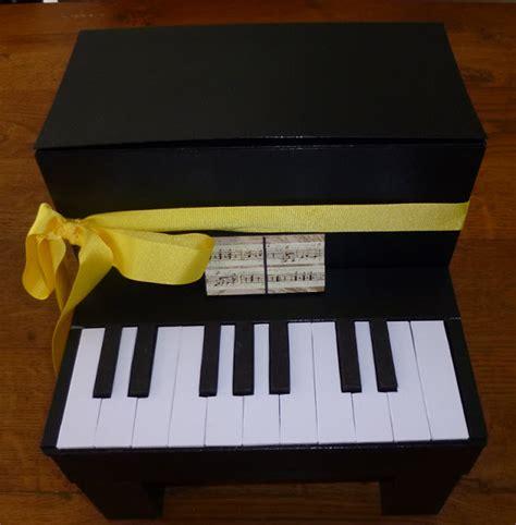 si鑒e pour piano je m 39 éclate avec mes 10 doigts une urne piano pour une mariée pianiste