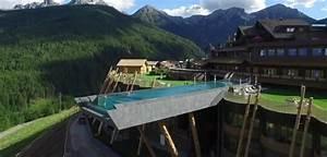 La Piscina Sospesa Nel Vuoto  Nuotata Tra Le Dolomiti
