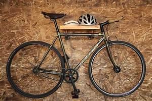 Accroche Murale Velo : comment choisir le bon support v lo mural maison meubles fahrrad wandhalterung ~ Dode.kayakingforconservation.com Idées de Décoration