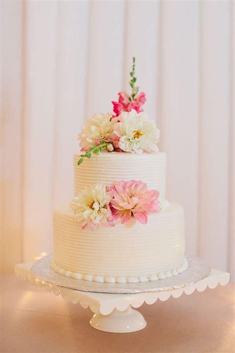 Two Tier Round Wedding Cake With Flowers Wedding Cake