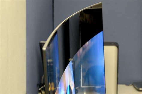 Curved TV vs. Flat Screen TV   Best Guide & Comparison