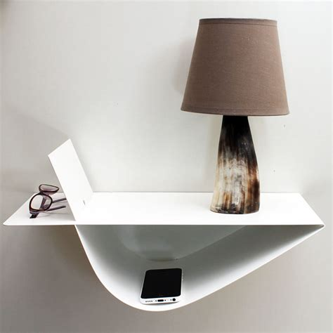 bout de canapé noir chevet suspendu design table suspendue chevet mural blanc