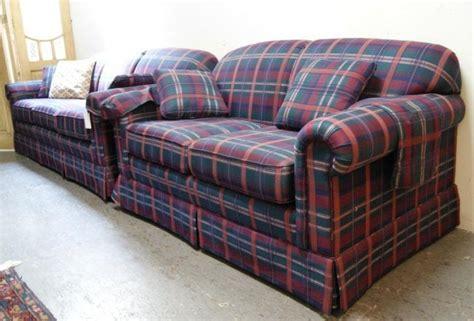 plaids für sofas 281a lazy boy country green plaid sofa and seat lot 281a