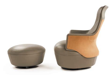 Poltrona Frau Pouf : Assaya Pouf By Poltrona Frau Design Satyendra Pakhalé