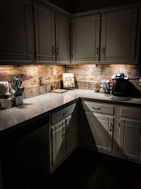 24 Hölzerne Küche Backsplashes Für Einen Woweffekt