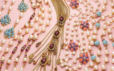 Vintage costume, fashion, couture jewelry — an expert ...
