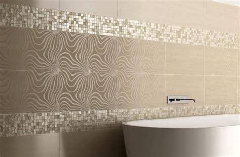 Badezimmer Fliesen Floral by Moderne Lineare Vorschl 228 Ge Mosaike Als Streifen