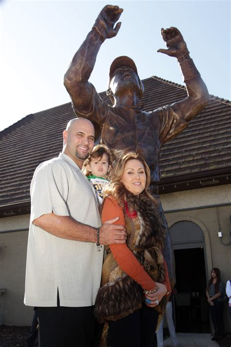 Pujols Statue Unveiled Outside His Restaurant Missourinet