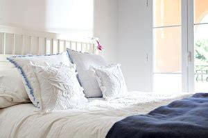 schimmel schlafzimmer entfernen schimmel im schlafzimmer ursache folgen und beseitigung