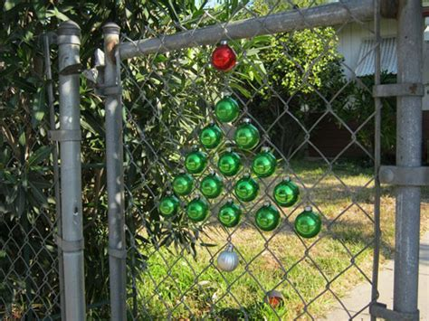 christmas decor for chain link fences outdoortheme com