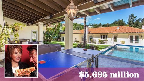 Raquel Welch's former Beverly Hills home retains its looks