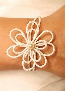 bracelet mariage en fleur de rocaille blanche creme ou With bracelet de mariage