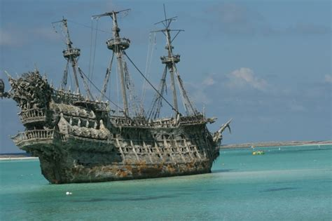 Biggest Pirate Ships In The World by 10 Astonishing Shipwreck Treasures Listverse