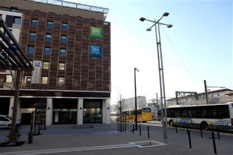 chambre de commerce de nimes deux hôtels ibis dans le centre ville de nîmes