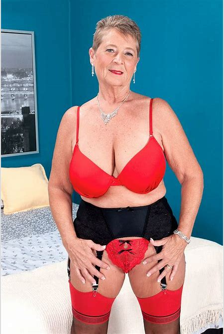 Granny Cute XXX Pics and Mature sex - Randy sluts old lady exposed pussy