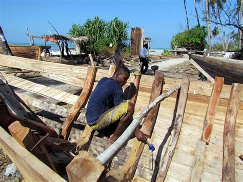 Zanzibar Boat Building by The Rich History Of Zanzibar S Dhows Africa Geographic