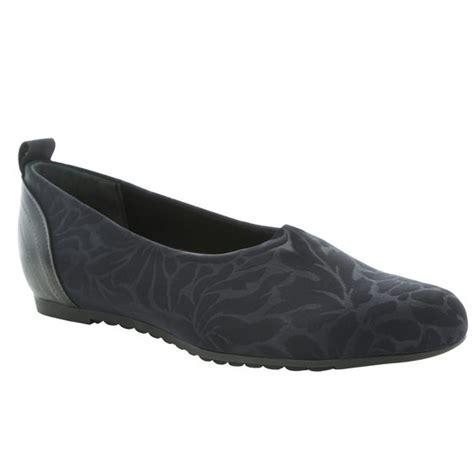 munro womens iriana black stretch floral lauries shoes