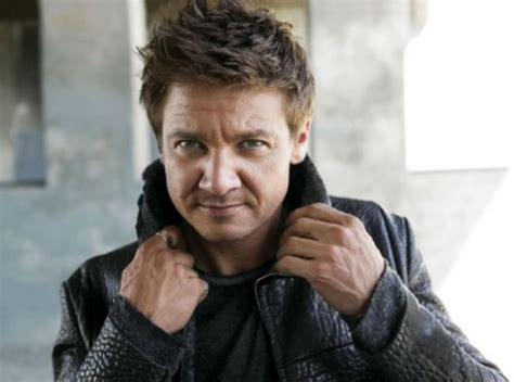 Jeremy Renner Reveals Some The Bourne Legacy Details