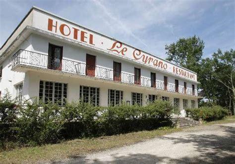 mont de marsan hotel mont de marsan l h 244 tel le cyrano a tir 233 sa r 233 v 233 rence sans un mot