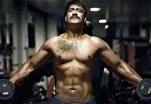 Top 15 Best Body in Bollywood Actors 2017 - World Blaze
