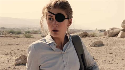 """In a world where journalism is under attack, marie colvin (rosamund pike) is one of the most celebrated war c. A Private War: """"You only cry when you bleed"""" (Review)   Stark Insider"""