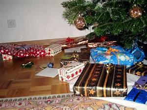 Weihnachtsgeschenk 2 Jährige : weihnachtsgeschenk wiktionary ~ Frokenaadalensverden.com Haus und Dekorationen