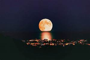 #beautiful, houses, moon, night - image #515096 on Favim.com