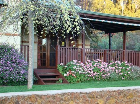 Australian Native Cottage Garden Photos