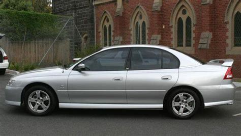 car review holden commodore vyvy ii