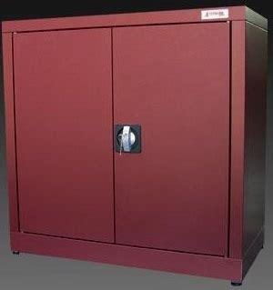 armadietti porta scope armadi zincoplastificati porta scope armadi da esterno