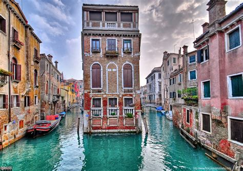 Life Around Us Venice Italy The Most Romantic Place
