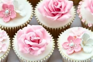 ideen fã r polterabend cupcakes muffins schöne dessert ideen für die hochzeit