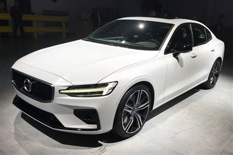 New Volvo S60 Revealed As Uk Debut Set For 2019