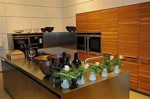 Küche Modern Mit Kochinsel Holz : designerk che aus nussbaum mit edelstahl kochinsel ~ Bigdaddyawards.com Haus und Dekorationen