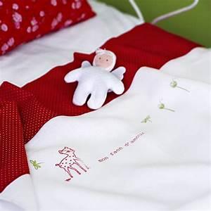 un drap de bebe decore dun faon marie claire With déco chambre bébé pas cher avec faire envoyer des fleurs par internet