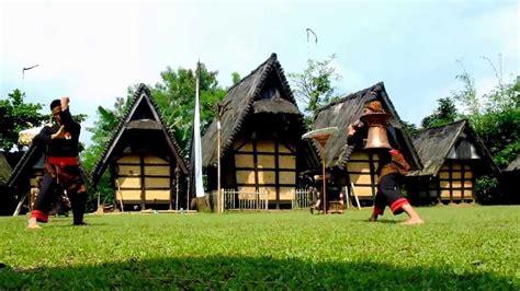 kampung budaya sindangbarangterus menjaga keaslian budaya