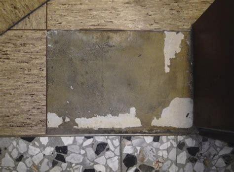 Fliesen Auf Rigipsplatten Entfernen by Vom Umgang Mit Asbesthaltigen Spachteln Klebern Und Putzen