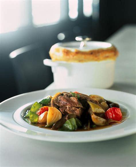 marmite et cuisine recette épaule d 39 agneau et marmite de légumes cuisine