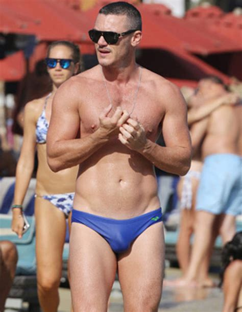 Check out the girth on that: Luke Evans exposes meaty bulge | Daily Star