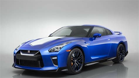 nissan gt  preview
