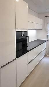 Küchen Mit Glasfront : schmidt k chen musterk che wei e glasfront mit aufgesetzten edelstahlgriffen ausstellungsk che ~ Watch28wear.com Haus und Dekorationen