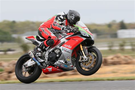 Aprilia Rsv4 Rr 4k Wallpapers by Aprilia Rsv4 Rf Hd Bikes 4k Wallpapers Images