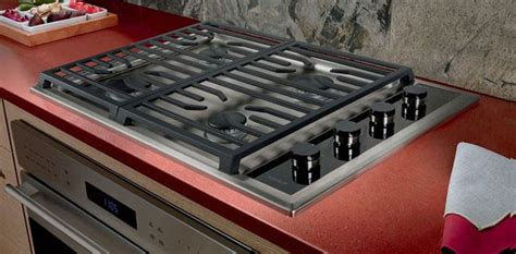 wolf cgts   transitional gas cooktop   dual stacked sealed burners true simmer