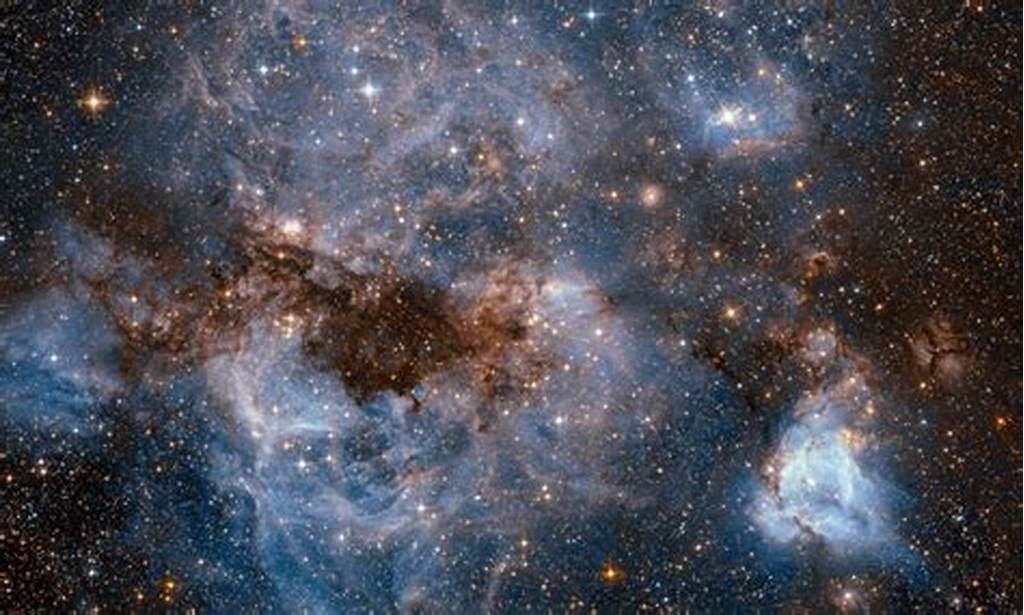 #Image #Hubble #Peers #Into #The #Large #Magellanic #Cloud