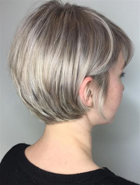 stylish short hairstyles for round faces 2018